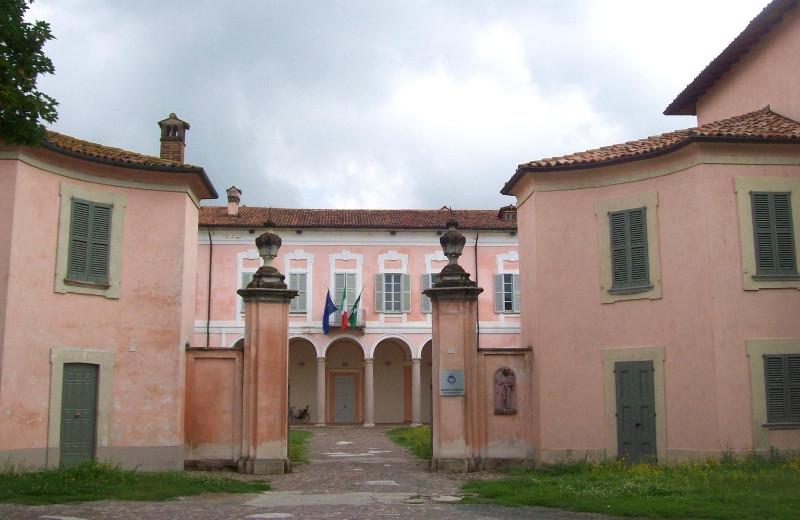 Palazzo Pertusati, Comazzo